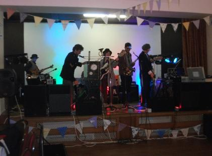 London Band in Derbyshire, lighting Pa hire, sound pa systems, pa system for hire, lighting equipment for hire